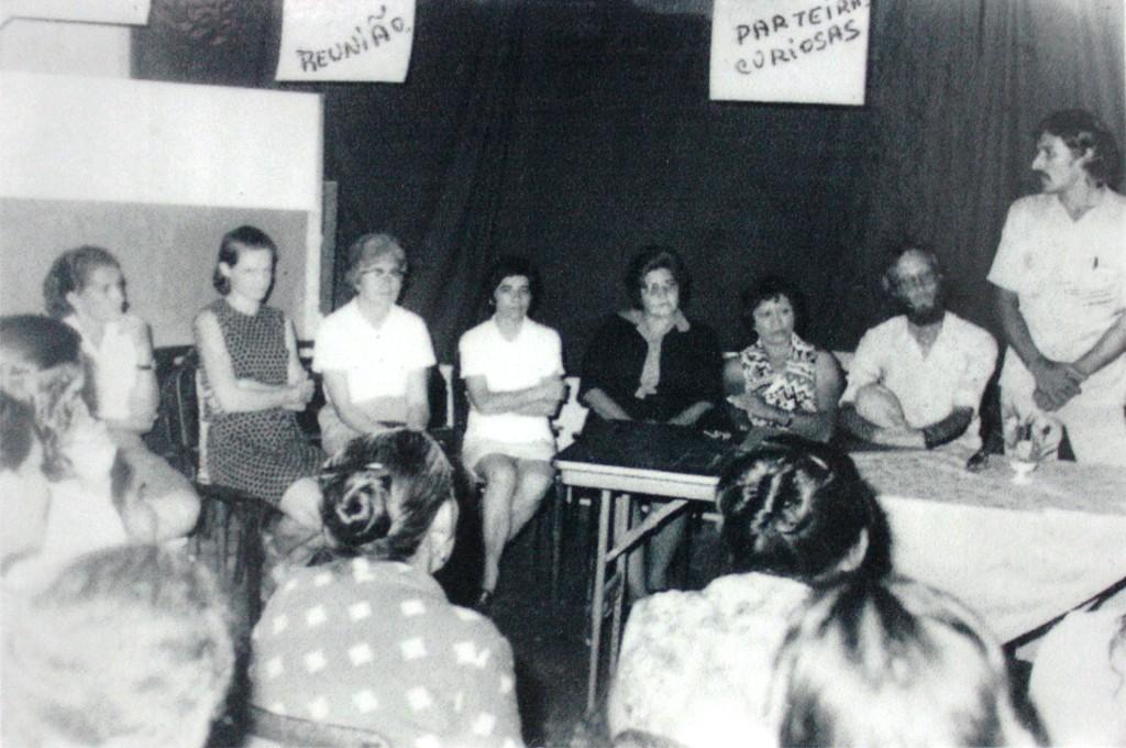 Curso de Parteiras Curiosas no projeto de técnicas em desenvolvimento social, em 1975