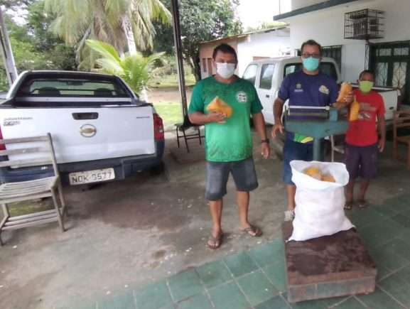 Em Borba, Idam realiza entrega de 3 toneladas de produtos agrícolas para mais de 300 famílias