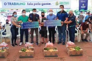 Em Caapiranga, Wilson Lima leva crédito, apoio a produtores rurais e Auxílio Enchente