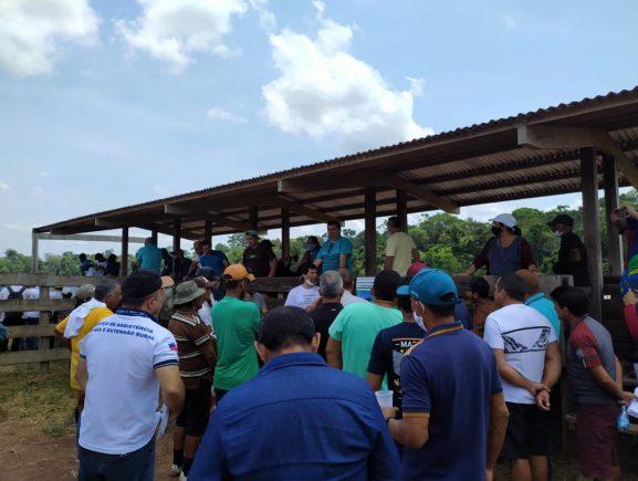 Idam realiza dia do campo voltado para para Criação de Bovinos em Itacoatiara